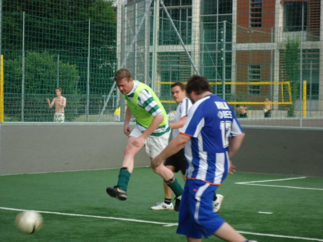 Fußballer in Action!<br /> <div style='text-align: right; font-size: smaller;'>Foto: Navina von Felbert</div>